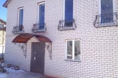Кованые балкончики цветочницы