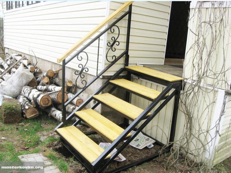 Лестницы для дома своими руками уличные 70